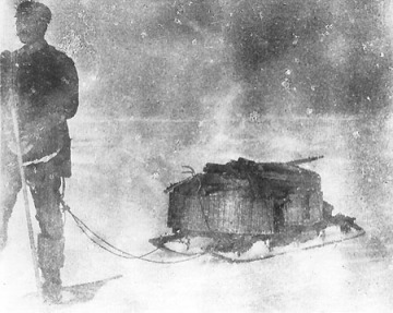 Nils Strindberg pulling one of the expedition's poorly designed sledges full of port and towels.